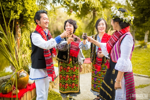 Traditional-wedding-in-Romania-Corbi-Village-Arges-County-organized-by-Pure-Romania-Travel-agency-Foto-credits-FotografulTAU-111