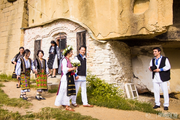 Traditional-wedding-in-Romania-Corbi-Village-Arges-County-organized-by-Pure-Romania-Travel-agency-Foto-credits-FotografulTAU-91