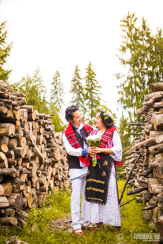 Traditional-wedding-in-Romania-Corbi-Village-organized-by-Pure-Romania-Travel-agency-Foto-credits-FotografulTAU-101